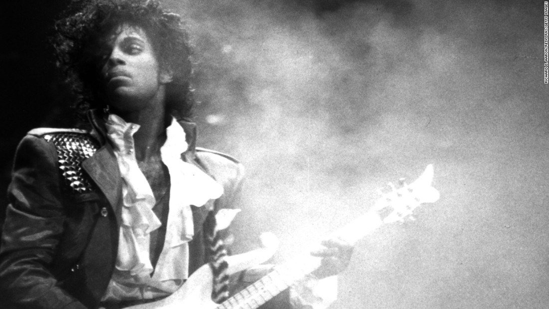 Sheriff explains how staffers found Prince's body at Paisley Park