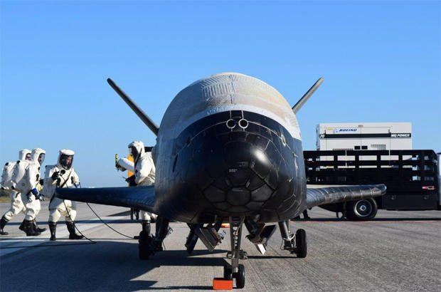 Unmanned space plane's landing sends sonic boom