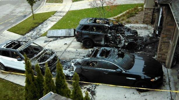 Three cars set on fire in mma fighter anthony pettis for Garage anthony salindre